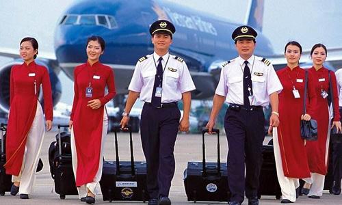 Dân mạng khen đồng phục phi công, chê đồng phục tiếp viên VNA - Vé may bay  giá rẻ Việt Nam